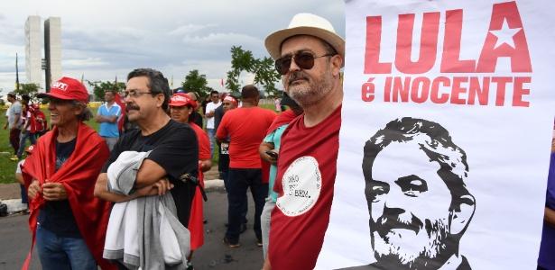 Manifestantes demonstram seu apoio a Lula, em Brasília