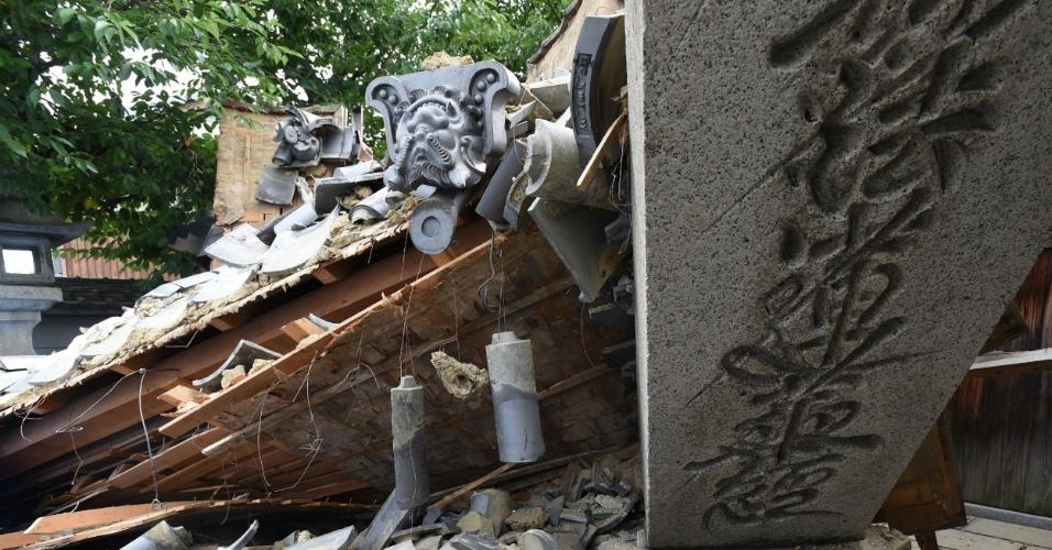 18.jun.2018 - Casa foi destruída na cidade de Ibaraki, no norte de Osaka, no Japão