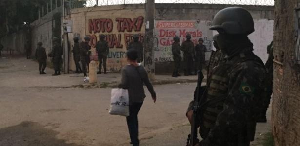 PM e Exército fizeram ação no complexo do Chapadão, no Rio de Janeiro, no sábado (28.jun.2018)
