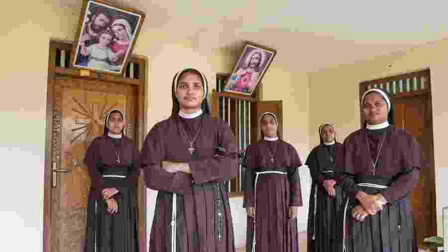 Freiras em um convento no sul da Índia que estão apoiando uma religiosa que diz ter sido estuprada pelo bispo Franco Mulakkal, no estado de Kerala - Samyukta Lakshmi/The New York Times