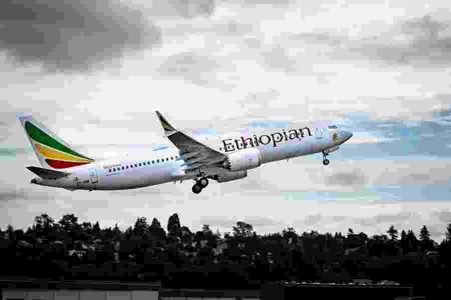Imagem de arquivo de um avião Boeing 737 MAX 8 da companhia Ethiopian Airline. Neste domingo (10), um avião do mesmo modelo da empresa caiu seis minutos após decolar matando todos seus 157 ocupantes - Divulgação/Boeing
