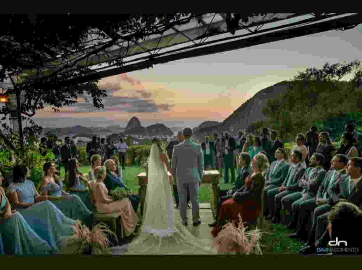 25.mai.2019 - Eduardo Bolsonaro casou-se com vista para o Pão de Açúcar, no Rio - Davi Nascimento/Instagram