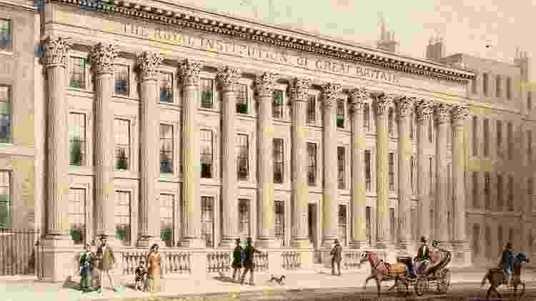 Os Somerville frequentavam o Royal Institution, fundado em 1799 para difundir o conhecimento - BBC