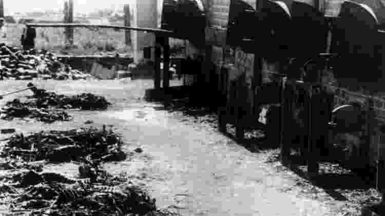 Geralmente, quatro a cinco corpos eram cremados juntos nos fornos de cremação em Auschwitz - Getty Images