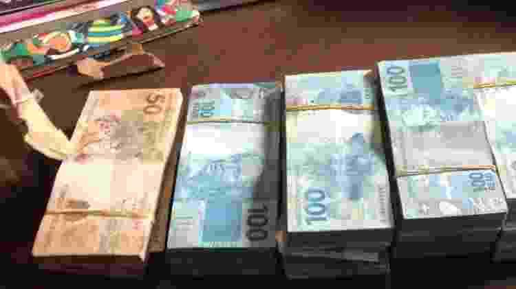 A PF apreendeu R$ 118 mil em sala usada por Astério em escritório de advocacia - Divulgação/PF