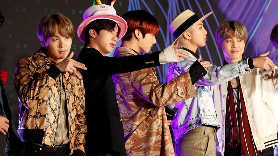 Suga,  Jin, Jungkook, RM e Jimin, integrantes do BTS, durante premiação no Japão - KIM KYUNG-HOON