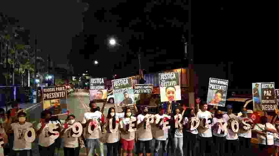 Um ano após mortes em Paraisópolis, familiares das vítimas protestam por justiça - Marcelo Oliveira/UOL