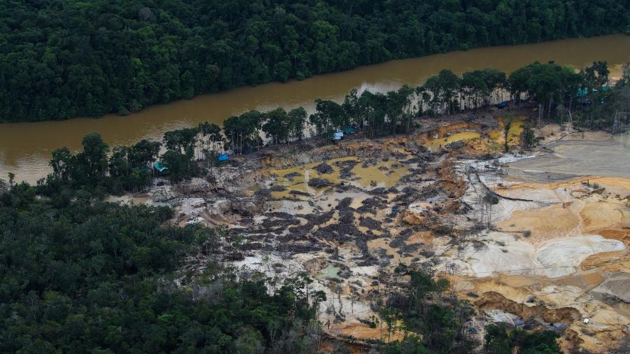 Impacto do garimpo no rio Parima, em terra indígena dos Yanomami, em dezembro de 2020 - Acervo ISA/Acervo ISA
