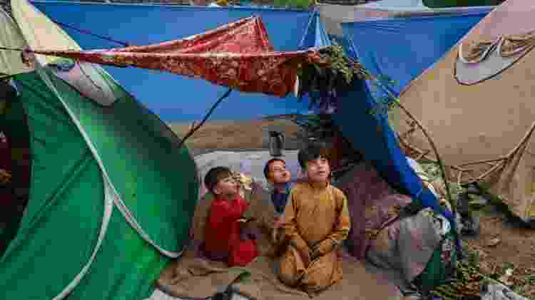 Crianças em acampamento nos arredores de Cabul - Getty Images - Getty Images