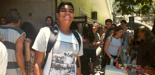 Matheus Azevedo, 17, financiou o cursinho revendendo empadas caseiras
