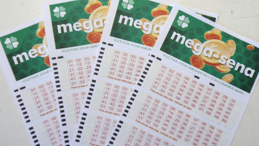 Volantes da Mega-Sena; loteria - GUILHERME DIONíZIO/ESTADÃO CONTEÚDO
