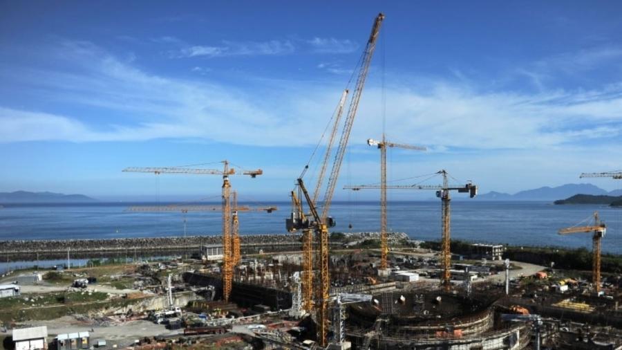 14.abr.2011 - Foto aérea da usina da construção de Angra 3 - Vanderlei Almeida/AFP