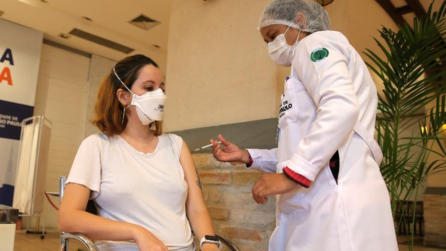 Brasil chegou a 23,6 milhões de vacinados com duas doses de imunizante contra a covid-19 - Carla Carniel/Reuters