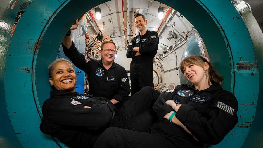 Inspiration4 da SpaceX: membros da missão Sian Proctor, Chris Sembroski, Jared Isaacman e Hayley Arceneaux (da esq. para dir.) - Inspiration4/John Kraus