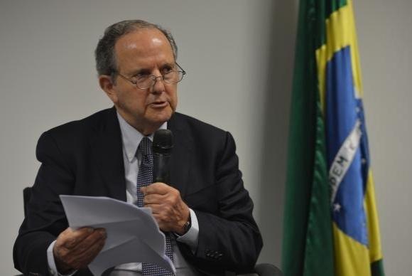 14.ago.2015 - Relator especial da ONU, Juan Méndez esteve em presídios de quatro Estados e do Distrito Federal