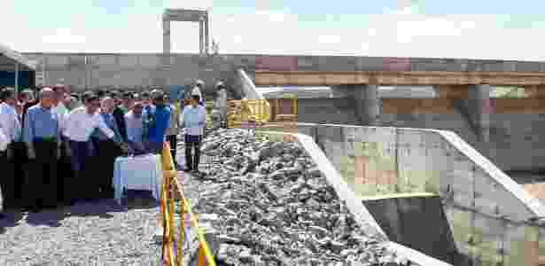 Cerimônia de abertura da comporta do reservatório de Campos - Beto Barata/PR
