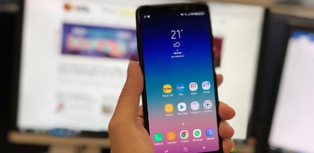 2c2289ea35268 Galaxy A8 tem design semelhante ao S8 e Note 8 - Gabriel Francisco  Ribeiro/UOL