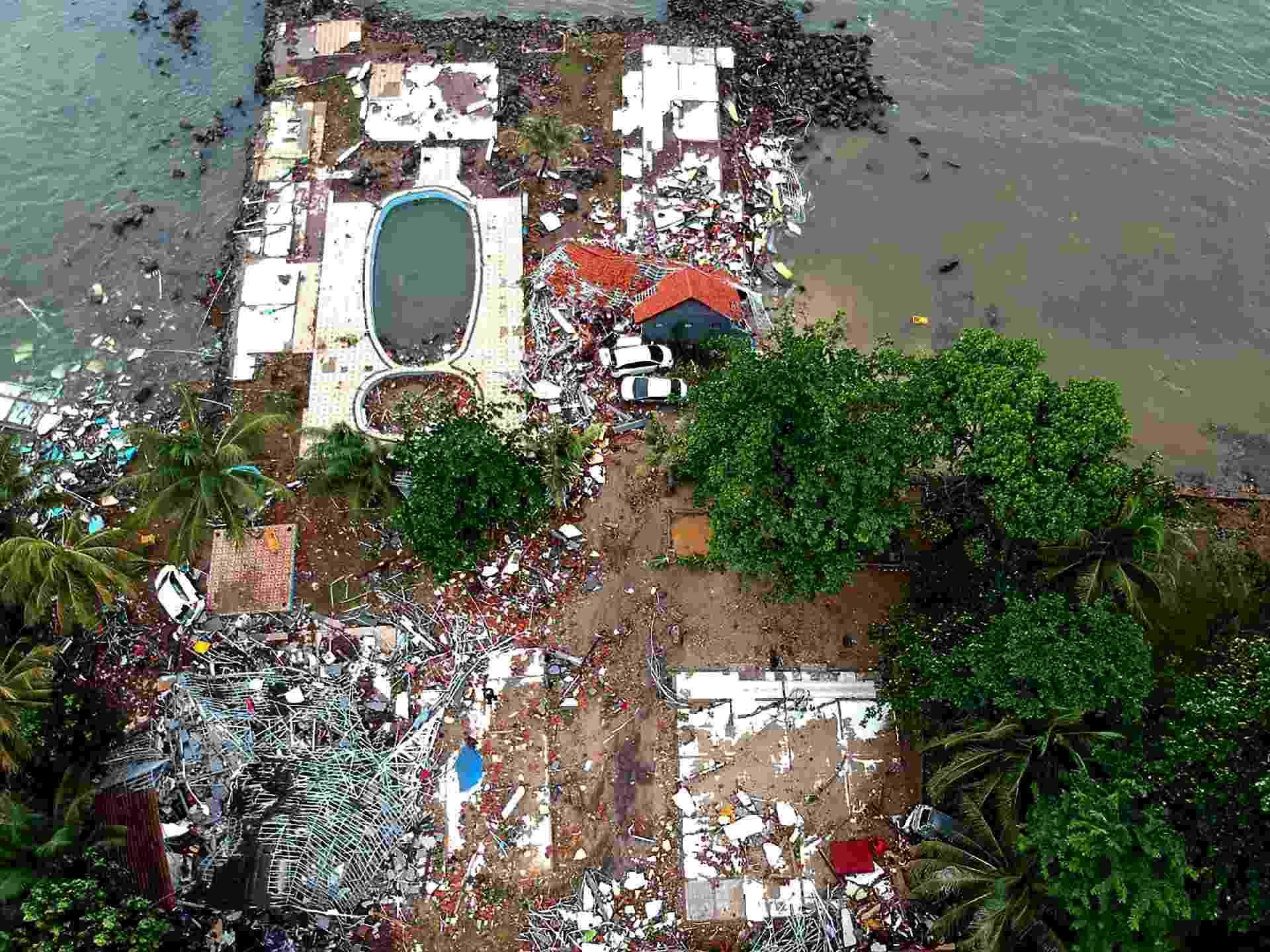 23.dez.2018 - Foto aérea mostra a destruição em Carita após a região ser atingida por um tsunami - Azwar Ipank/AFP