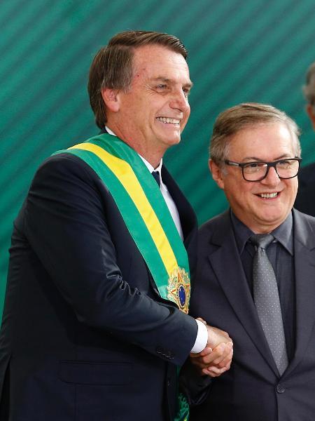1.jan.2019 - O presidente Jair Bolsonaro (PSL) empossa Ricardo Vélez Rodríguez como ministro da Educação - Dida Sampaio/Estadão Conteúdo