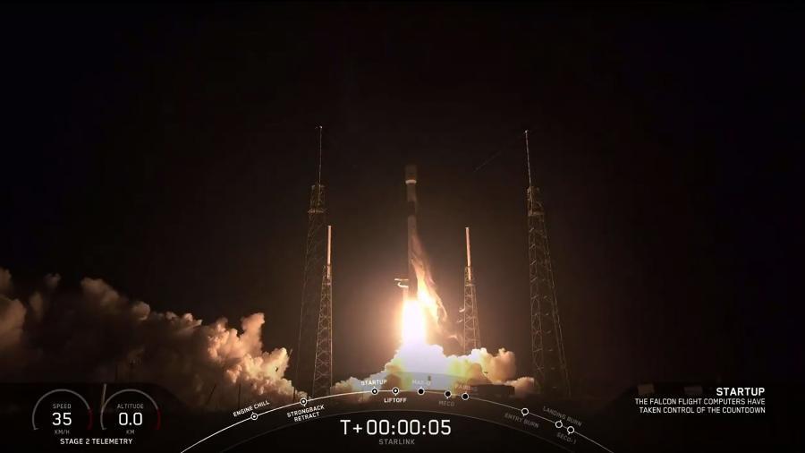 Foguete Falcon 9 da SpaceX, com 60 satélites Starlink, que decolou em maio de 2019 - SpaceX/AFP