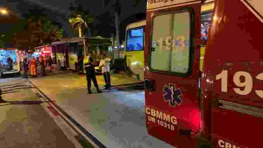 Acidente entre dois ônibus deixa 27 feridos em MG - Reprodução/CorpodeBombeiros