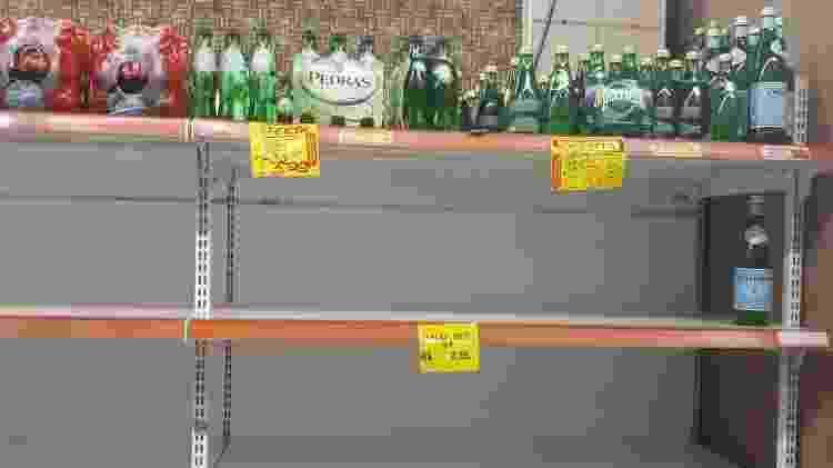 15.jan.2020 - Estoques de água têm se esgotado em supermercados do Rio  - Marcela Lemos/UOL