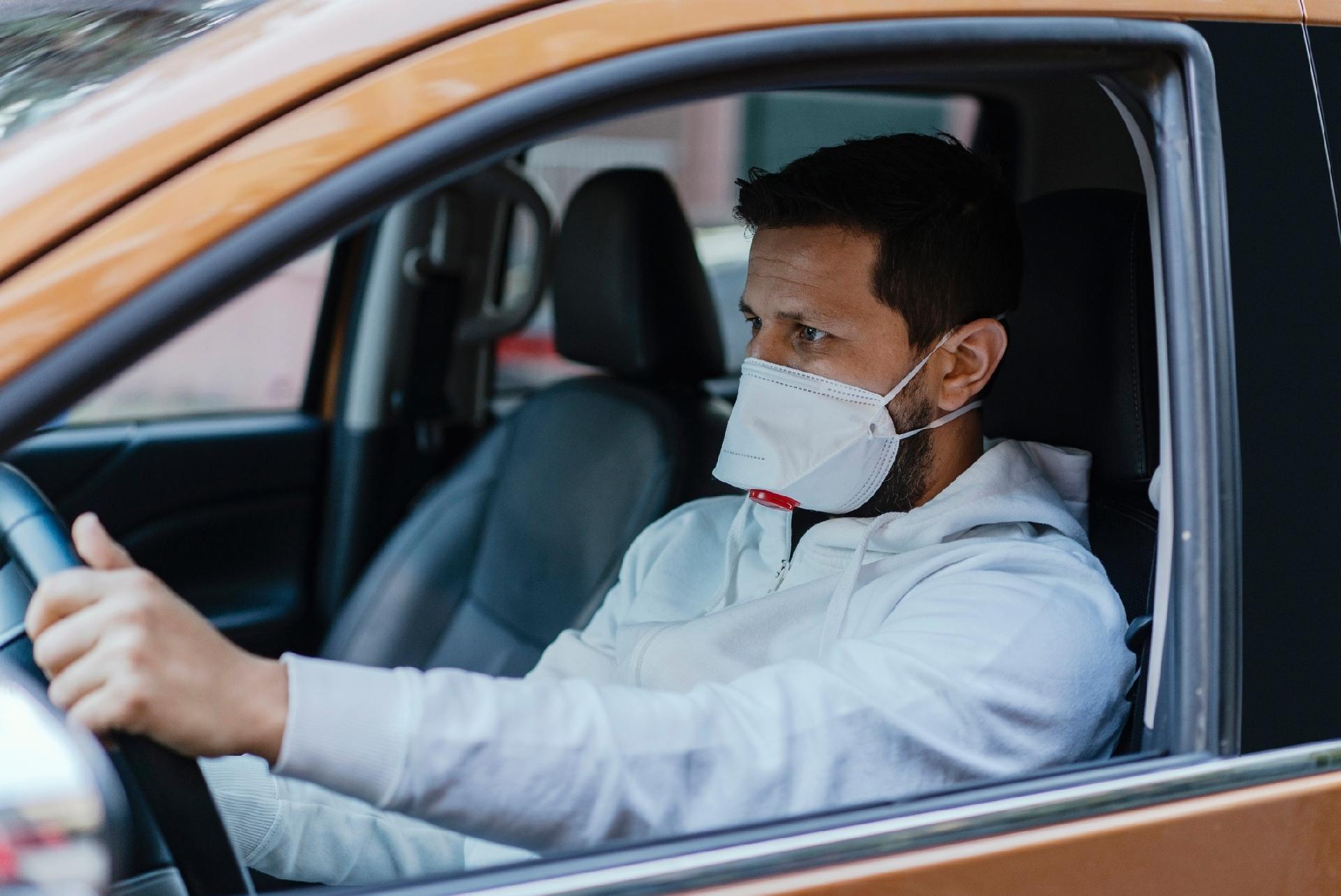 SP exige uso de máscara em apps como Uber, mas ninguém sabe como ...