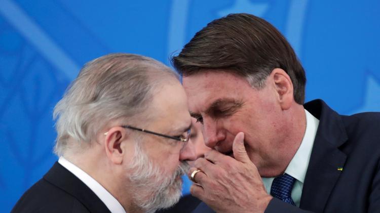 Presidente Jair Bolsonaro conversa com procurador-geral da República, Augusto Aras, no Palácio do Planalto - Reprodução - Reprodução