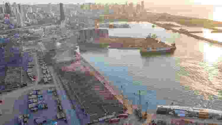 A explosão destruiu o porto e foi sentida a quilômetros de distância - Getty Images - Getty Images