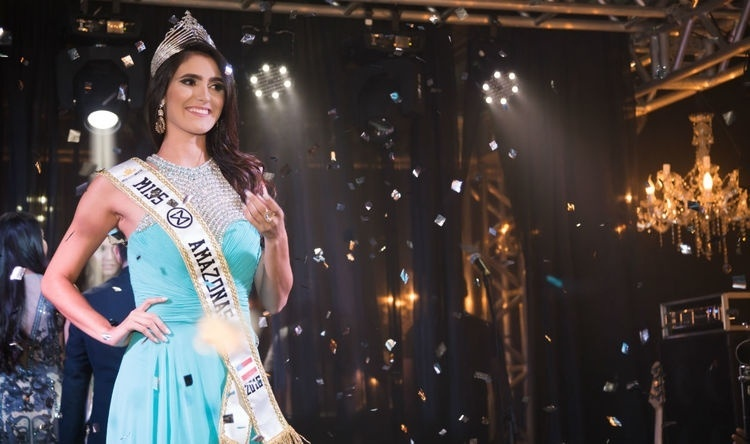 19.abr.2016 - No dia 14 de abril, Tayana Maia foi eleita Miss Mundo Amazonas 2016. A jovem de 26 anos é estudante do último ano do curso de odontologia pela UEA. A beldade embarca dia 15 de junho para Florianópolis e a final do concurso ocorrerá dia 25 do mesmo mês
