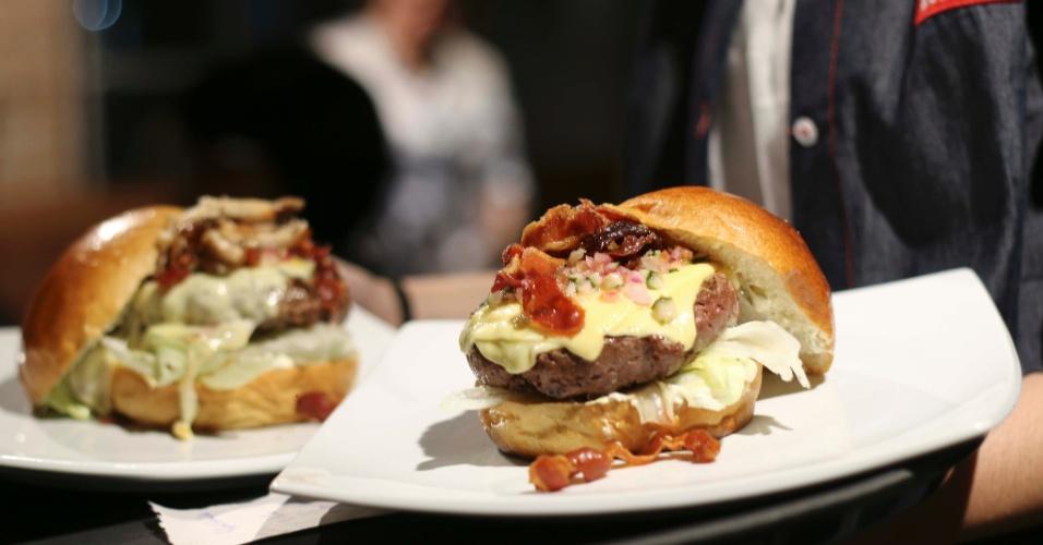 Castro Burger é uma hamburgueria gay de São Paulo