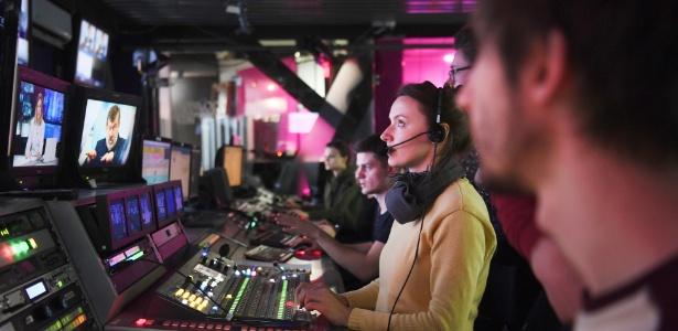 14.abr.2017 - Sala de controle da TV Rain, emissora russa que hoje faz transmissões também pela internet
