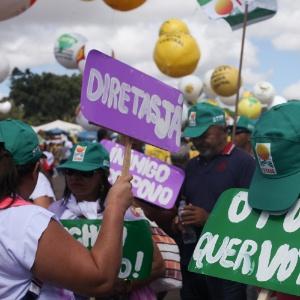 Ato pede Diretas em Brasília