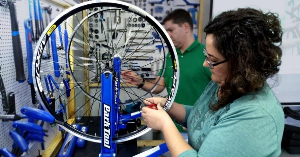 Curso de mecânica de bicicletas tem turma 100% feminina na Escola Park Tool