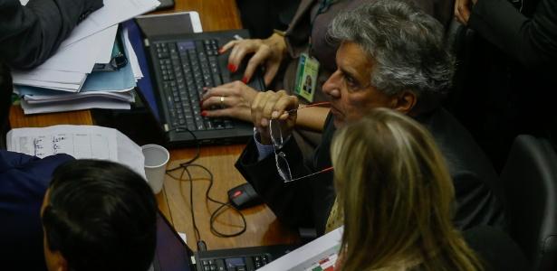 Deputado Beto Mansur (PRB-SP) é o responsável por mapear o comportamento da base aliada nas votações importantes para o governo