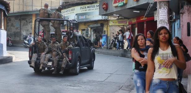 19.set.2017 - Polícia Militar faz operação em seis favelas do Rio contra ação de criminosos na Rocinha