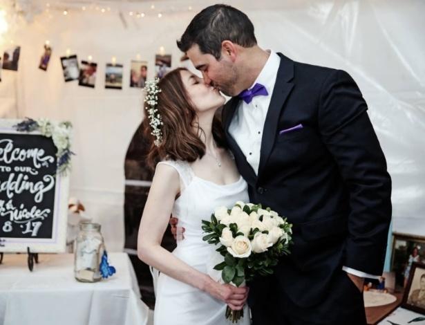 Nicole Carfagna se casou apenas 90 minutos após ter sido pedida em casamento