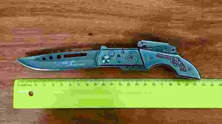 Canivete apreendido com Fúvio e que teria sido usado para atacar cabeleireiro na avenida Paulista - 25.dez.2018 - Divulgação/Polícia Civil