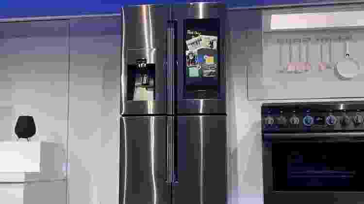 Geladeira inteligente da Samsung ganhou mais funções na CES 2019 - Bruna Souza Cruz/UOL