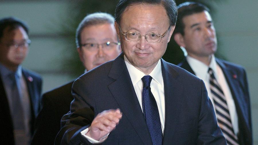 Yang Jiechi, o chefe da Comissão Central de Relações Exteriores da China conversou com o secretário de Estado norte-americano, Antony Blinken -