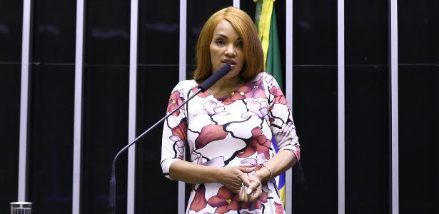 Acusada pela morte do marido   Câmara cassa mandato de Flordelis por quebra de decoro parlamentar