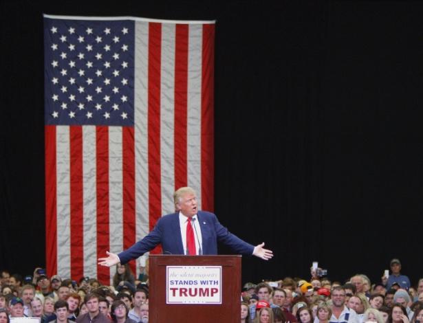 Pré-candidato republicano à Presidência, Donald Trump faz comício em Knoxville (EUA)