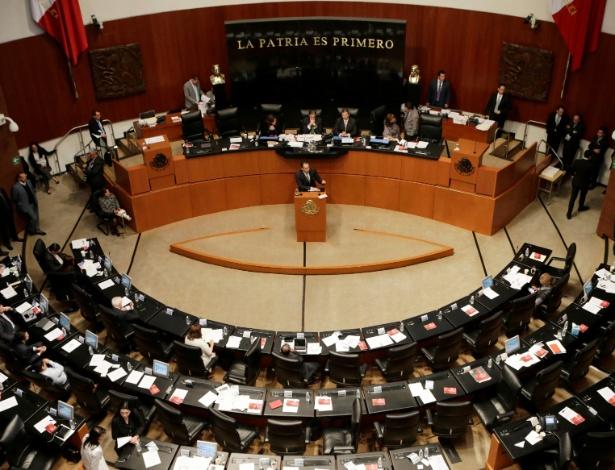 Senador mexicano fala na tribuna sobre a legalização da maconha medicinal