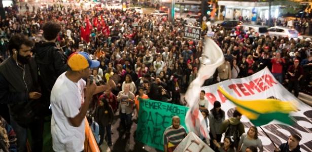 Em frente ao gabinete presidencial, na avenida Paulista, as duas faixas estão bloqueadas - Marcelo Justo/UOL