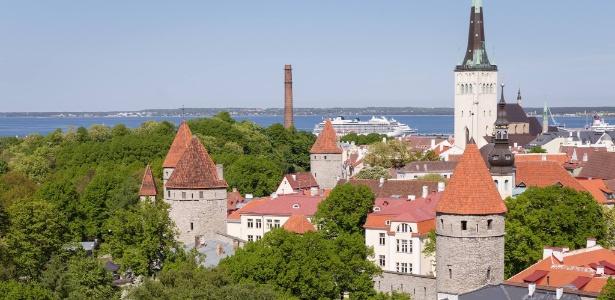 Foto de Tallinn, capital da Estônia; sem recursos naturais para explorar, país apostou na tecnologia ao tornar-se independente da União Soviética