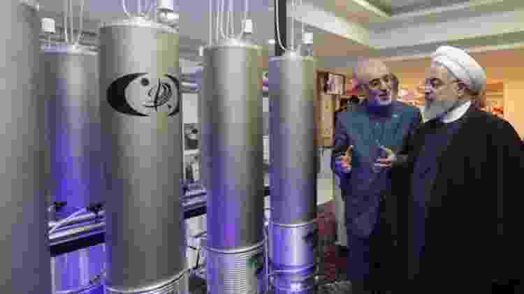 O presidente do Irã, Hassan Rouhani, diz que o país está retaliando as sanções econômicas impostas pelos Estados Unidos - AFP
