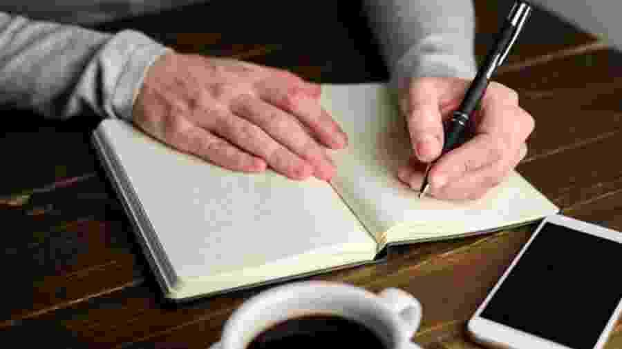 Pesquisadores da Universidade de Oxford dizem que canhotos podem ter melhores habilidades verbais - Getty Images