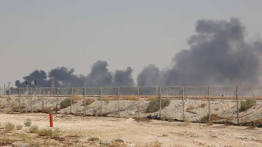 14.set.2019 - Ataque com drones reivindicado por rebeldes iemenitas provocou incêndios em duas instalações petroleiras da gigante saudita Aramco no leste da Arábia Saudita - AFP