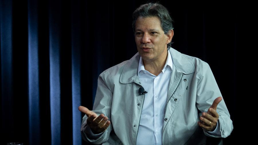 O ex-prefeito de São Paulo Fernando Haddad durante entrevista exclusiva ao UOL e à Folha de S.Paulo, no estúdio de Brasília - Kleyton Amorim/UOL