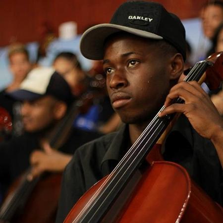 O músico Luiz Justino, integrante da Orquestra da Grota de Niterói - Reprodução/Redes sociais